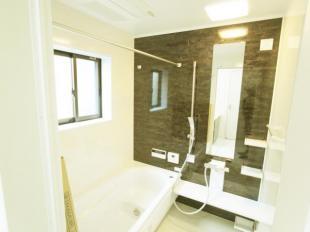 広々ゆとりのある浴室
