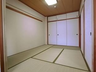 リビングに隣り合う和室