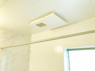 ●カラリ床等を標準装備して、使い勝手の良いお風呂空間