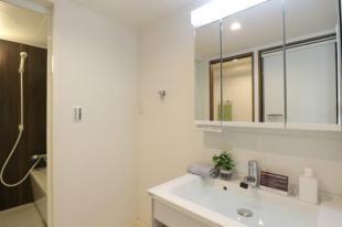●ゆとりある脱衣室と家事室