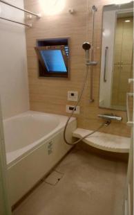 ●浴室ミストサウナ機能 浴室窓有り