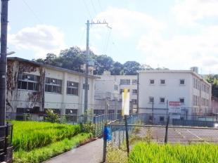 富雄中学校