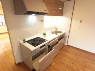●収納充実のキッチン