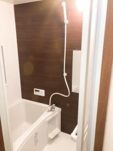 ●広々とした浴室はゆったりとくつろげます