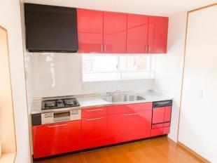 ●ビビットカラーのキッチン