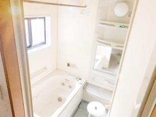 ●お子様と一緒にゆったり楽しめる広々とした浴室