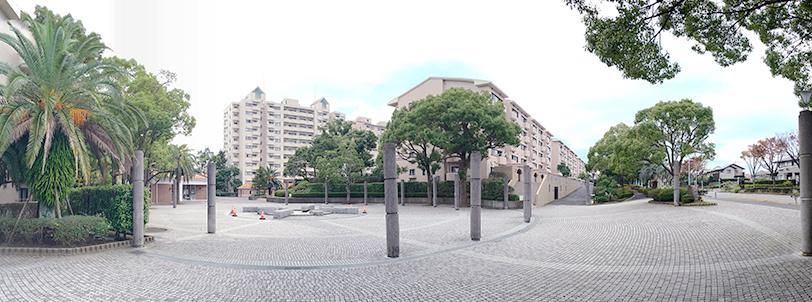 横浜の丘陵地を美しく演出する、計画的に開発された街並みに住まう。