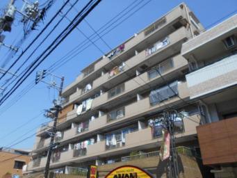 昭和57年4月築のマンションです。